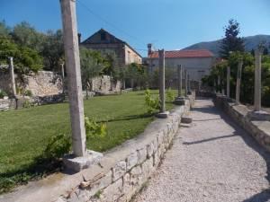 DSCN3966 300x225 - Kratka crtica o vrtu iznad franjevačkog samostana u Cavtatu