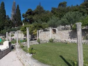DSCN3968 300x225 - Kratka crtica o vrtu iznad franjevačkog samostana u Cavtatu