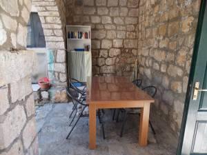 DSCN4045 300x225 - Samostan u početcima i danas